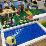 Una piscina amb trampolí