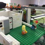 Un porter (peça programada amb Lego WeDo)